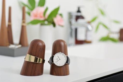 Time-off watch holder_walnut