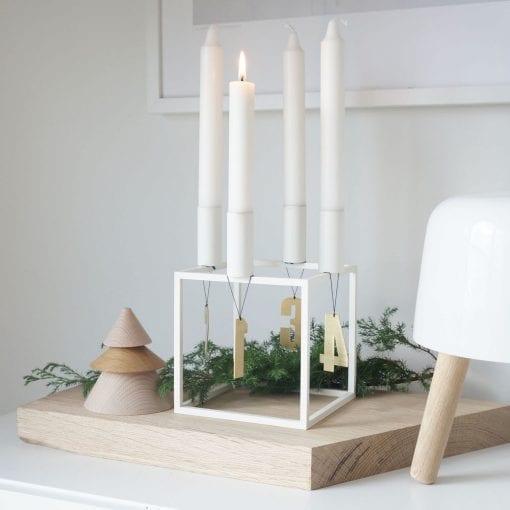 ATM6-Advent-tal-messing-jul-pynt-design-adventstal-interioer-bolig-ophaeng-dekoration-minimalistisk-Felius-Design-5