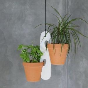 planteophaeng i hvid - blue appeal - dansk design - upcoming design - planter - boligindretning - modernhousedk