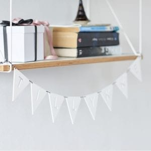 hvid flagranke - felius design - dansk design - interior - bolig - inspiration - boligindretning - foedselsdag - festpynt - nordic - modernhouse