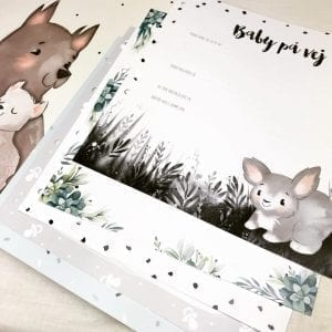 barnets bog - baby paa vej - dansk design - prik og streg - barnets foerste minder - forevig dit barns minder