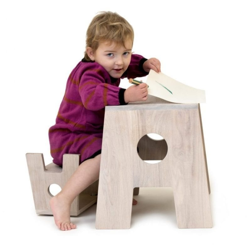 Stoolesk skrivepult - boernemoebler - boernebord - boernetaburet - stool - dansk design - collect furniture - boligindretning - taburet - sidebord - sofabord - nordisk design