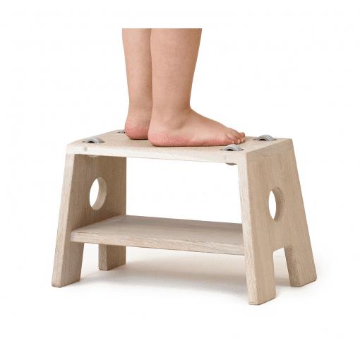 Stool_boerneskammel_hvid egetrae_collect furniture_Modernhousedk