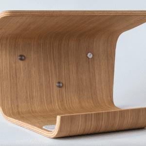 cykelholder i egetrae - cykelophaeng - made by bent - hylde fra made by bent - gren cykelholder - modernhousedk
