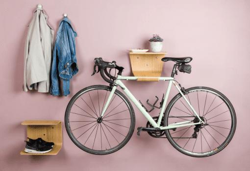indretning i entre - indretning lille lejlighed - hylde - hylder - cykelholder - made by bent - modernhousedk