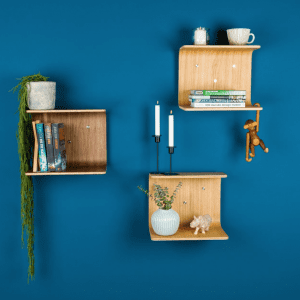 hylder - hylde i trae - hylde - made by bent - dansk design - sengebord - nat bord - natbord - modernhousedk
