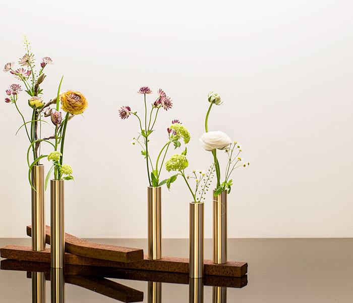 Slim Vase – Messing