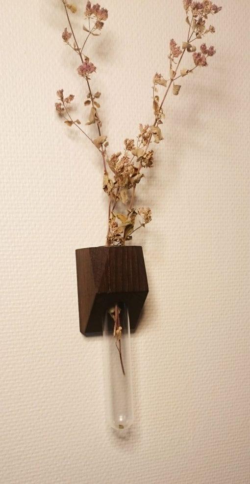vaegvase-dark-oak-heldal-design