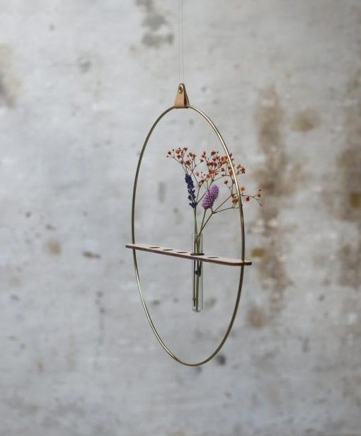 Strups-messing-vase-dansk design-flowers
