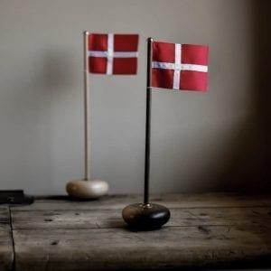 bordflag_aviendo_walnut_boeg