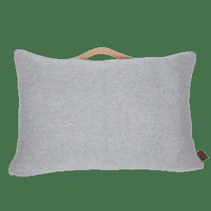 ByLOHN-pyntepude-strikkede interior-stue-gaveide