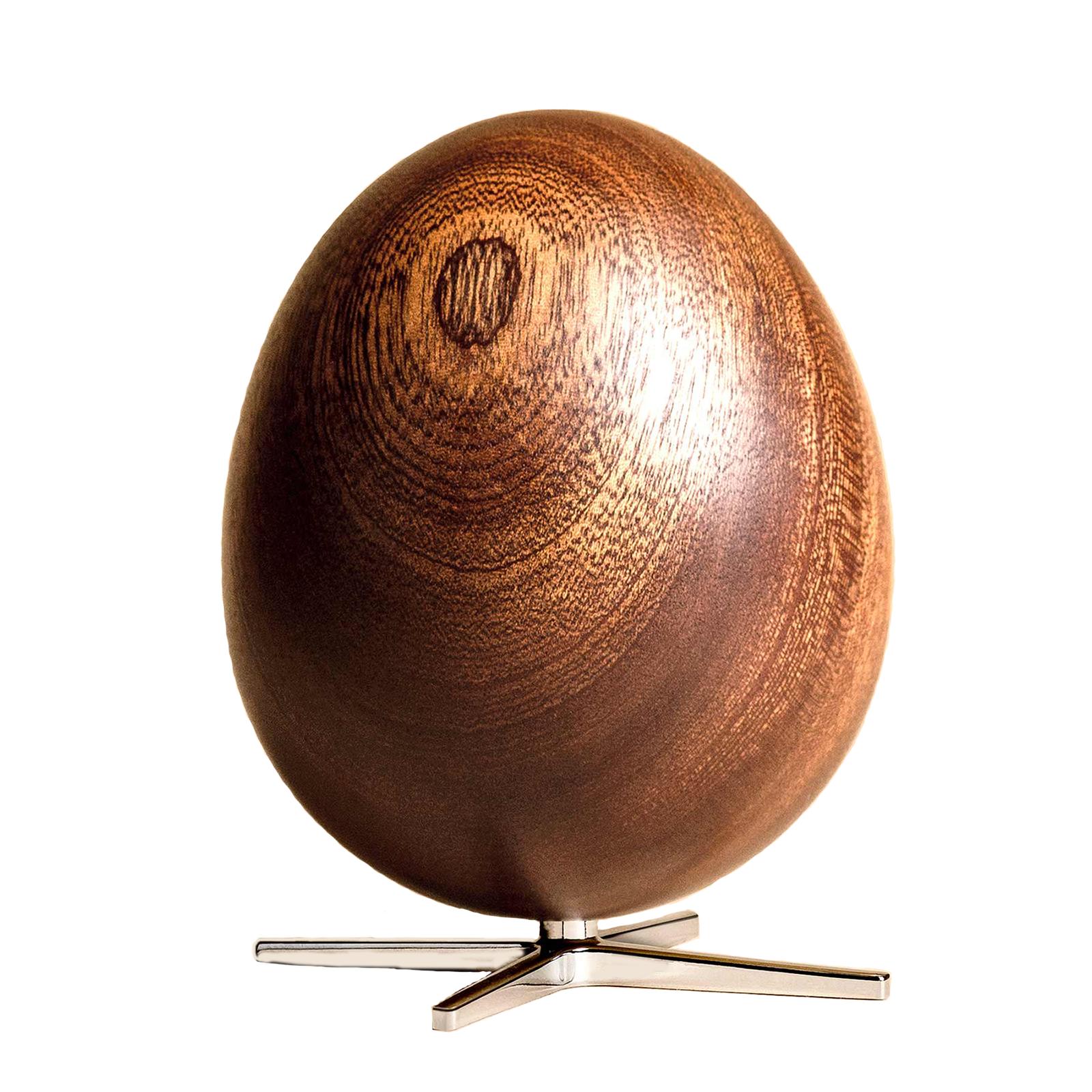 Ægget Figuren – Mahogni med Sølvfarvet fod