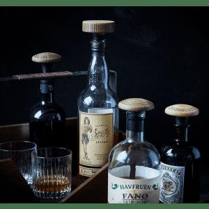 The Oak Men - hjemmebar - flaskeprop - trae flaskeprop - stue - julegave til ham - fars dags gave - gaven til ham